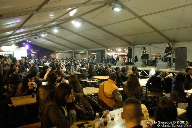 Live StartUP -Zona gastronomica